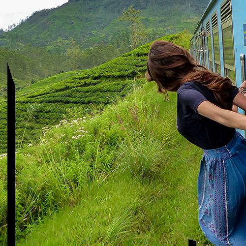 Femme Train Bleu Sri Lanka